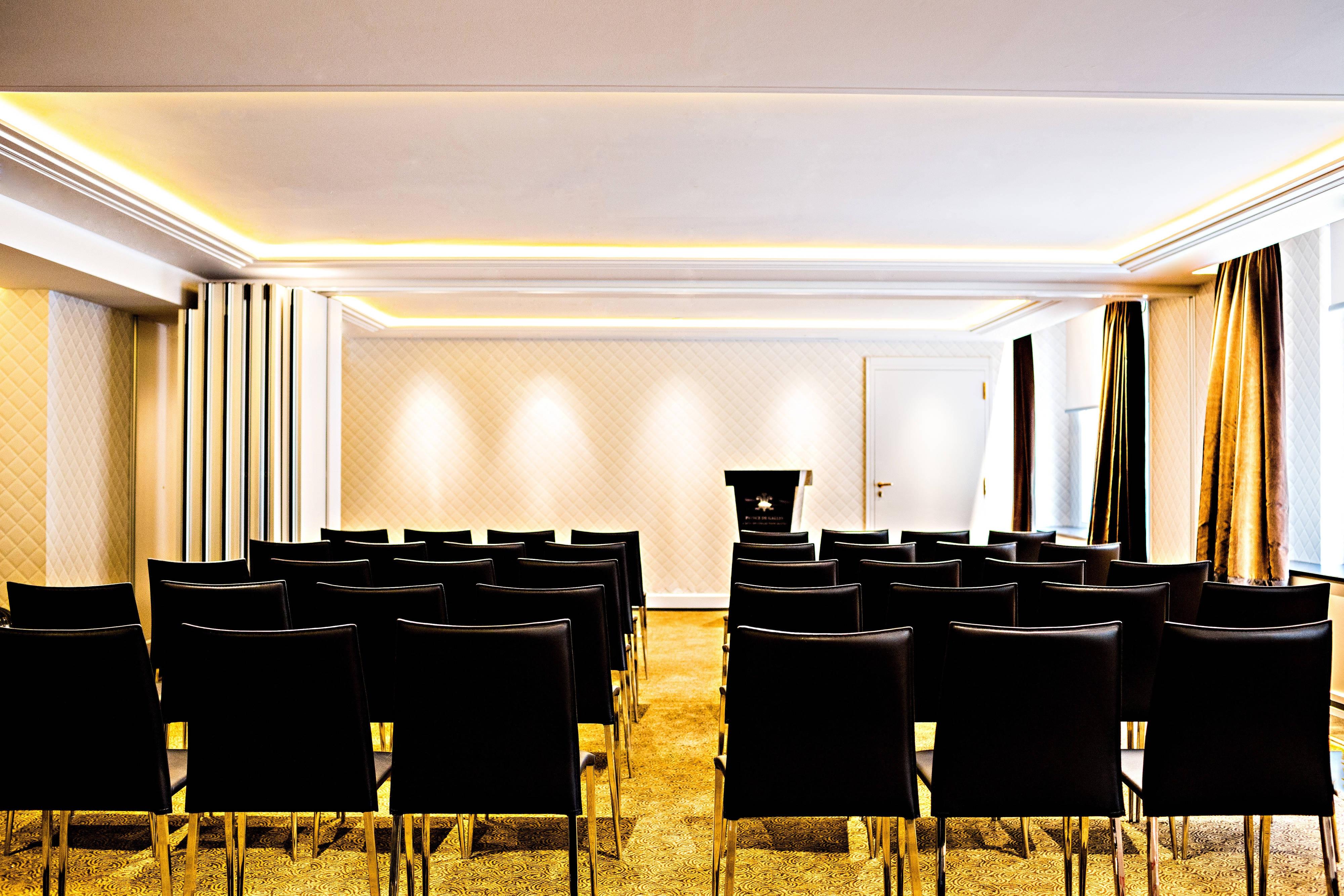 Salon Chaillot – Configuration théâtre