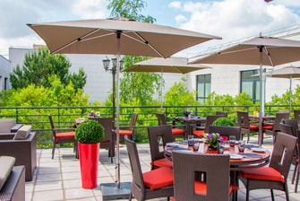 Roissy hotel outdoor terrace