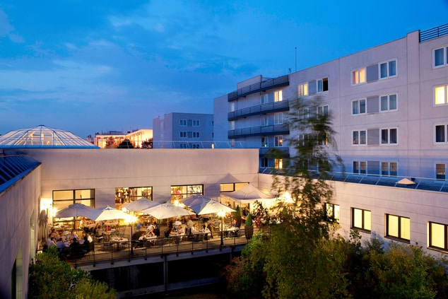 Restaurant with terrace in Roissy, near Paris Airport