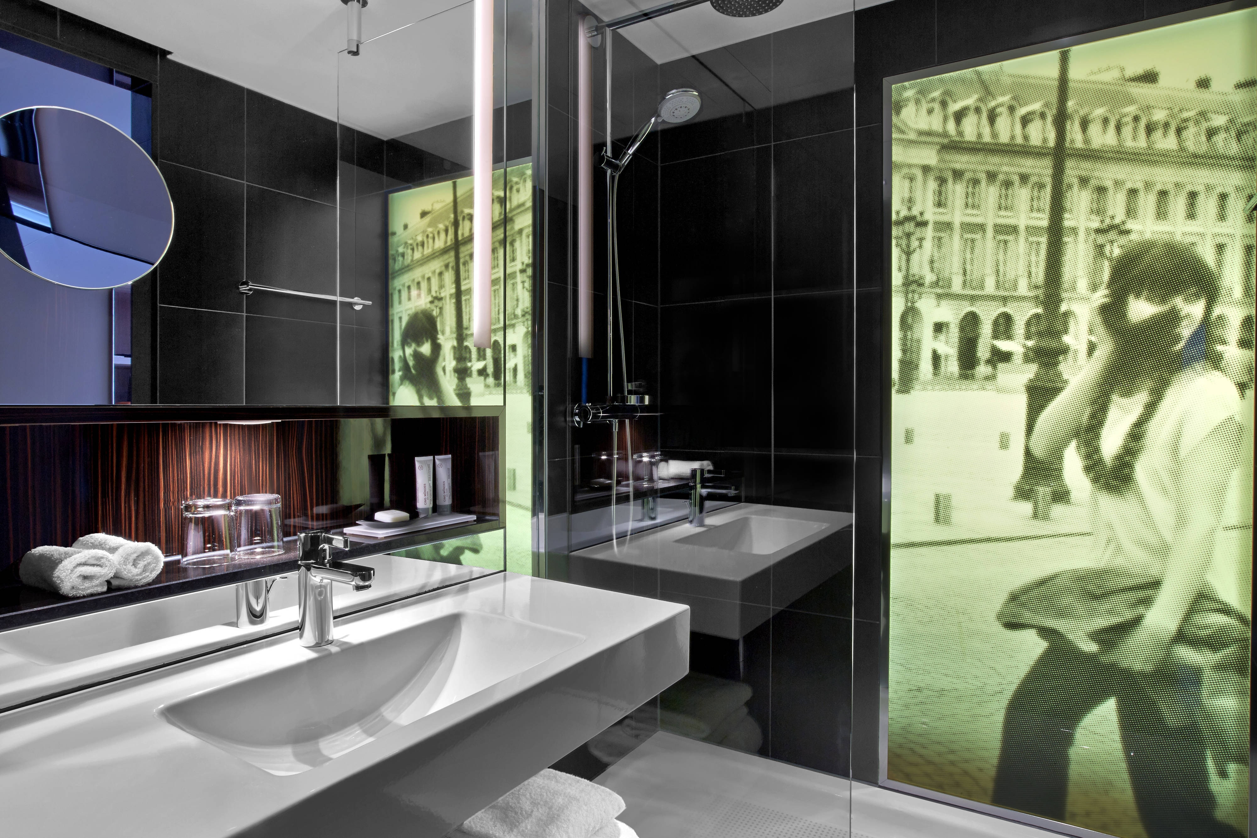 Chic Room Bathroom