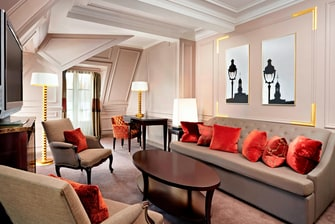 Prestige Suite - Living Room