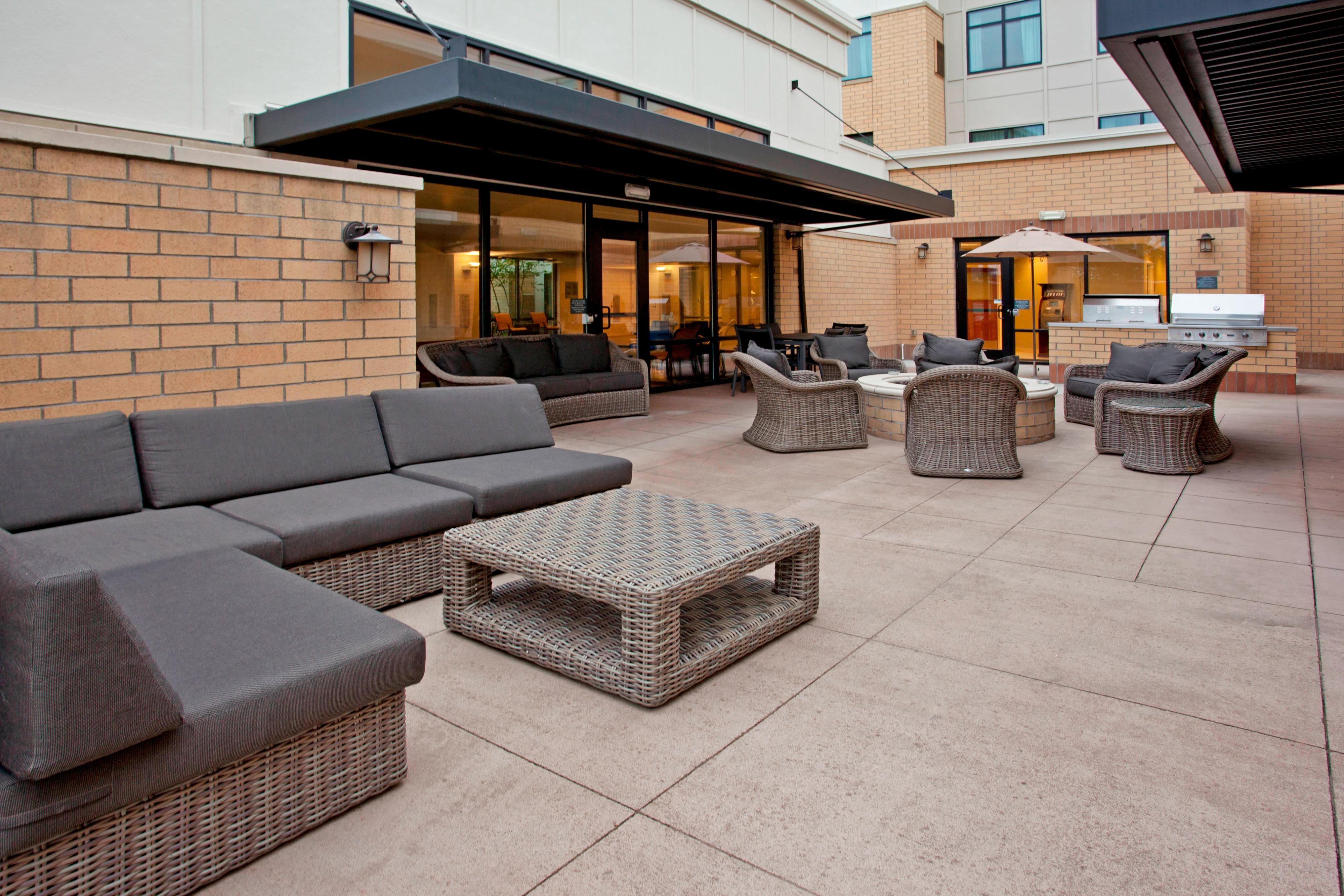 Courtyard Barbeque & Patio