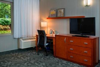 King Suite – Work Desk