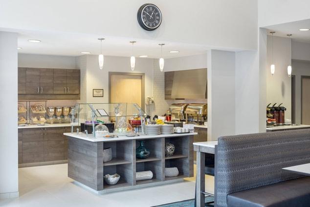 free breakfast Hillsboro Marriott Residence Inn