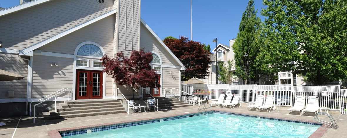 Portland Oregon Hotel Outdoor Pool