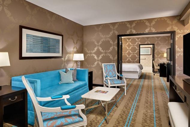 Atrium King Suite - Living Room