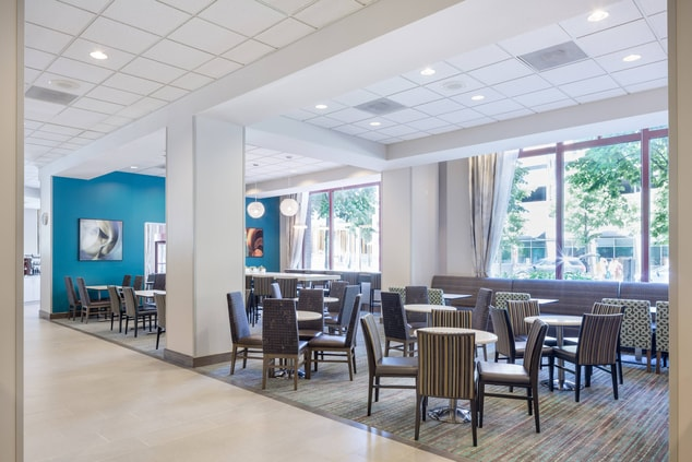 Residence Inn Portland RiverPlace Breakfast Seating Area