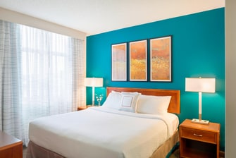 one-bedroom suite extended stay Portland hotel