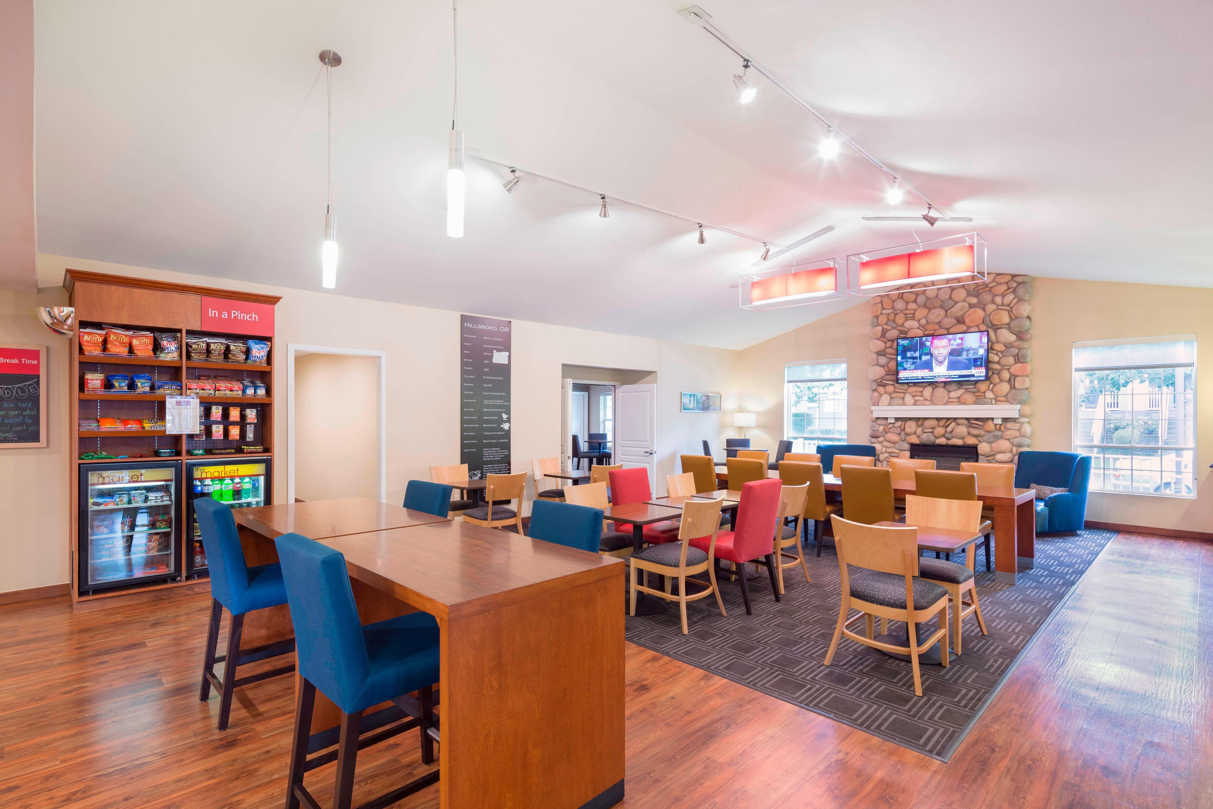 Lobby Dining Area TownePlace Suites Hillsboro