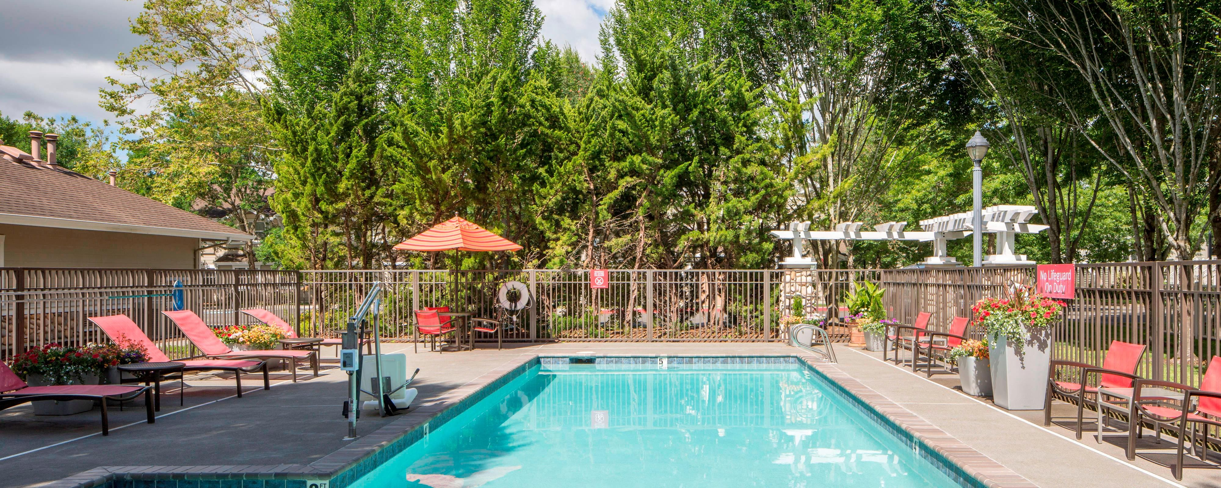 Seasonal Outdoor Pool Marriott Hillsboro Hotel