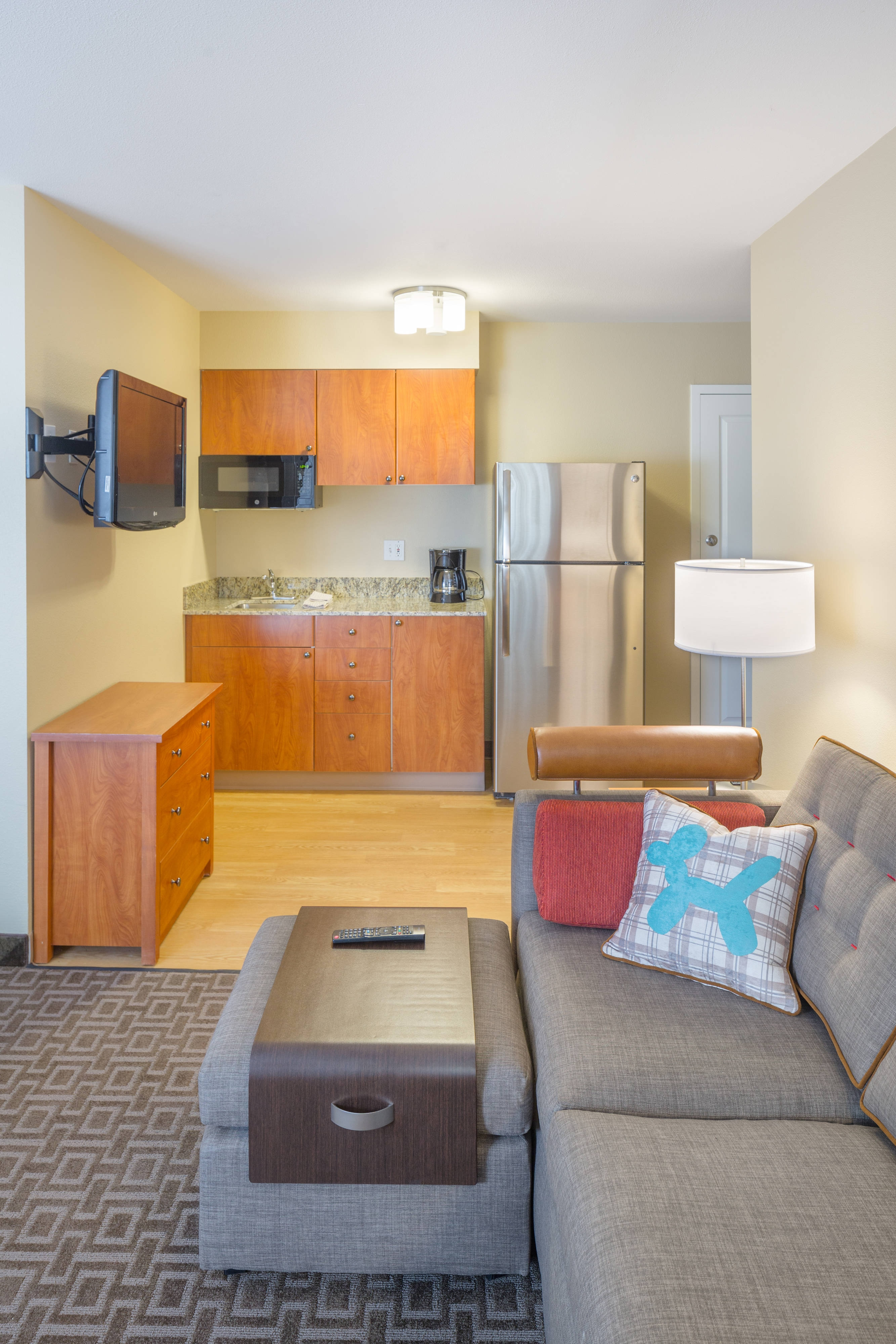 suite kitchenette TPS Everett Mukilteo