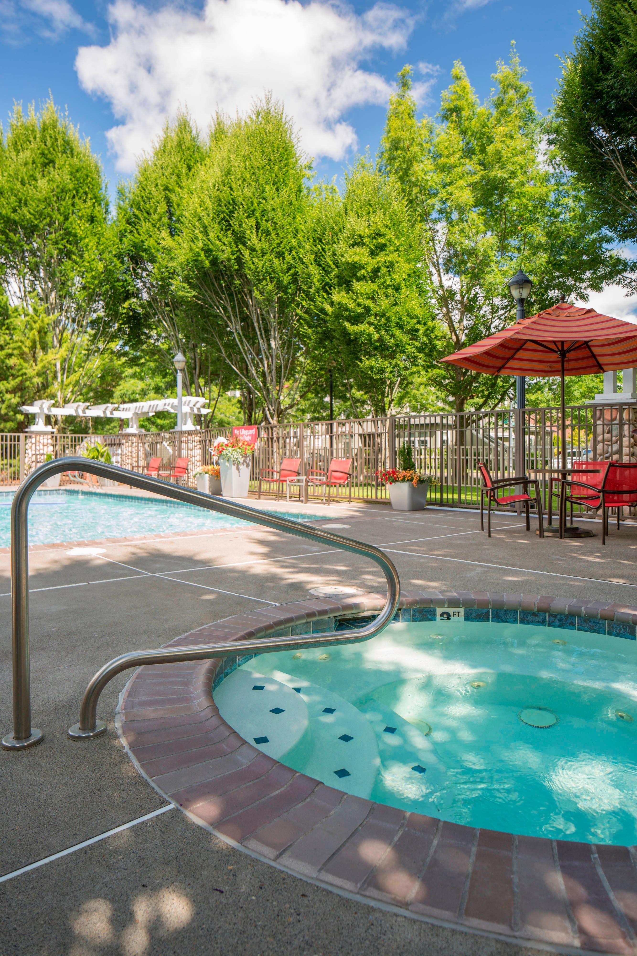 Outdoor Hot Tub Portland Hillsboro Marriott Hotel