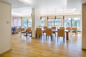 breakfast seating area extended stay hotel