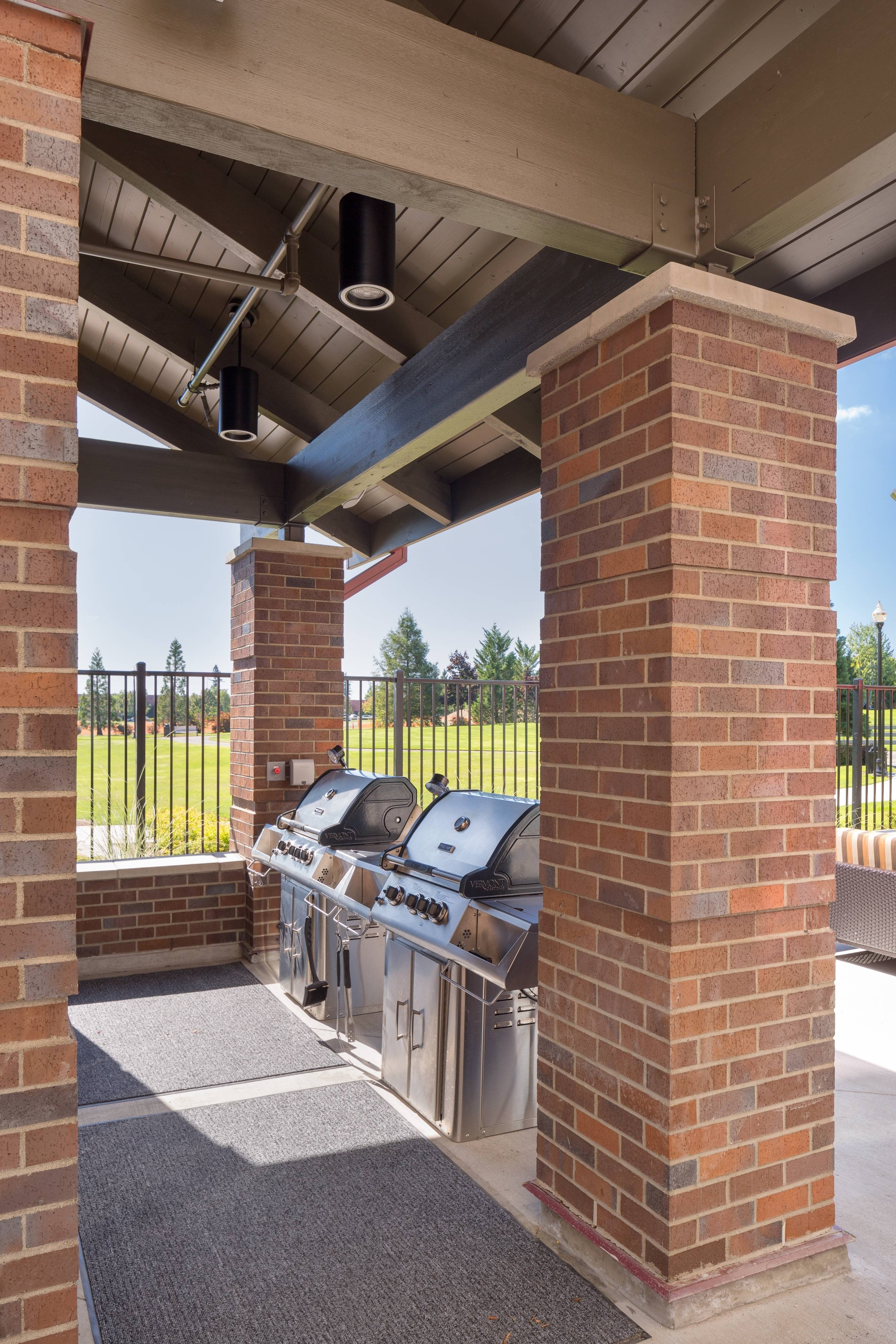 outdoor barbecue grills Vancouver WA hotel