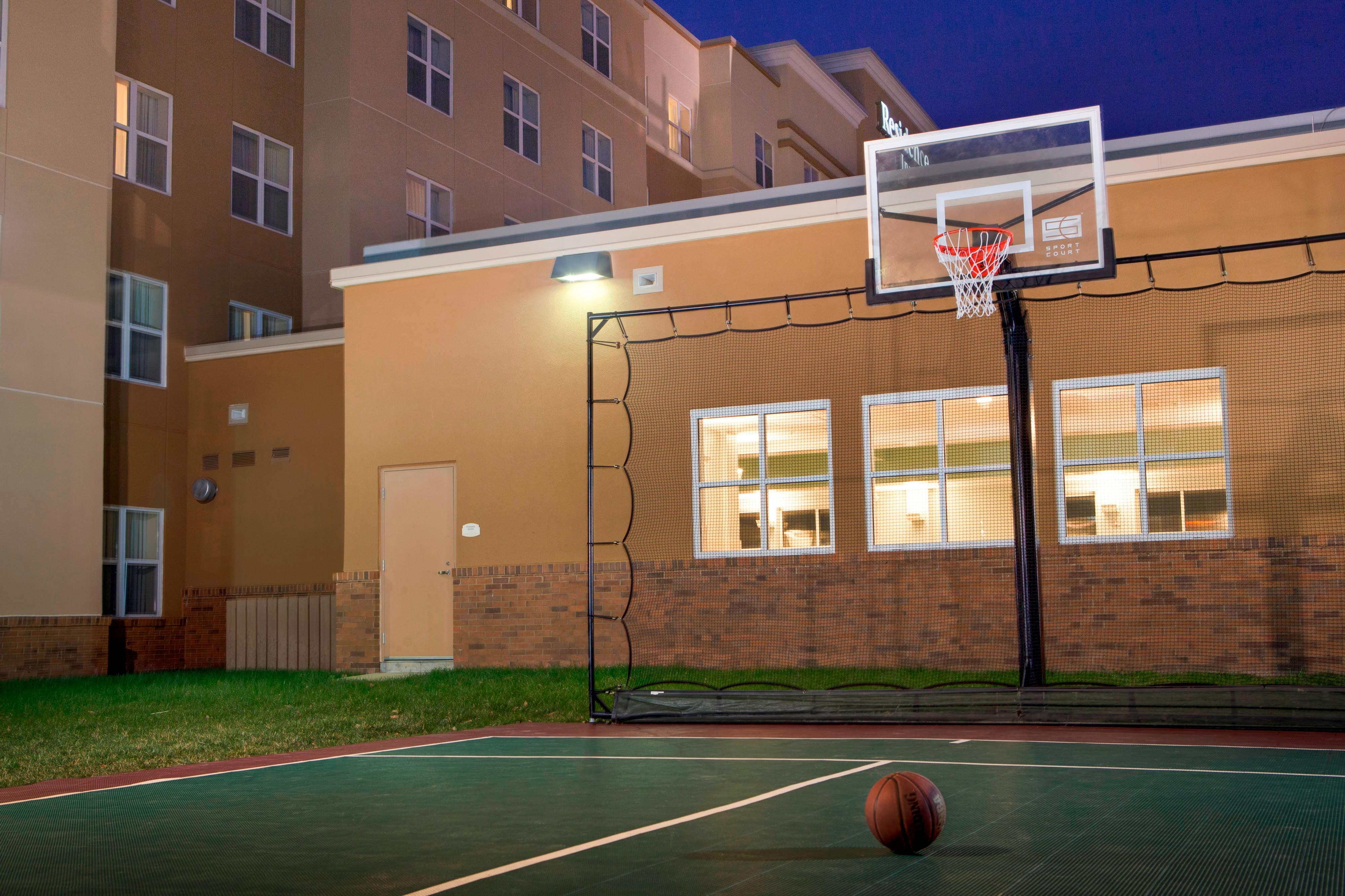 Newport News Hotel Sport Court