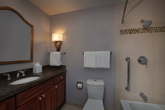 Williamsburg va family resorts marriott s manor club at for Bathroom remodeling williamsburg va