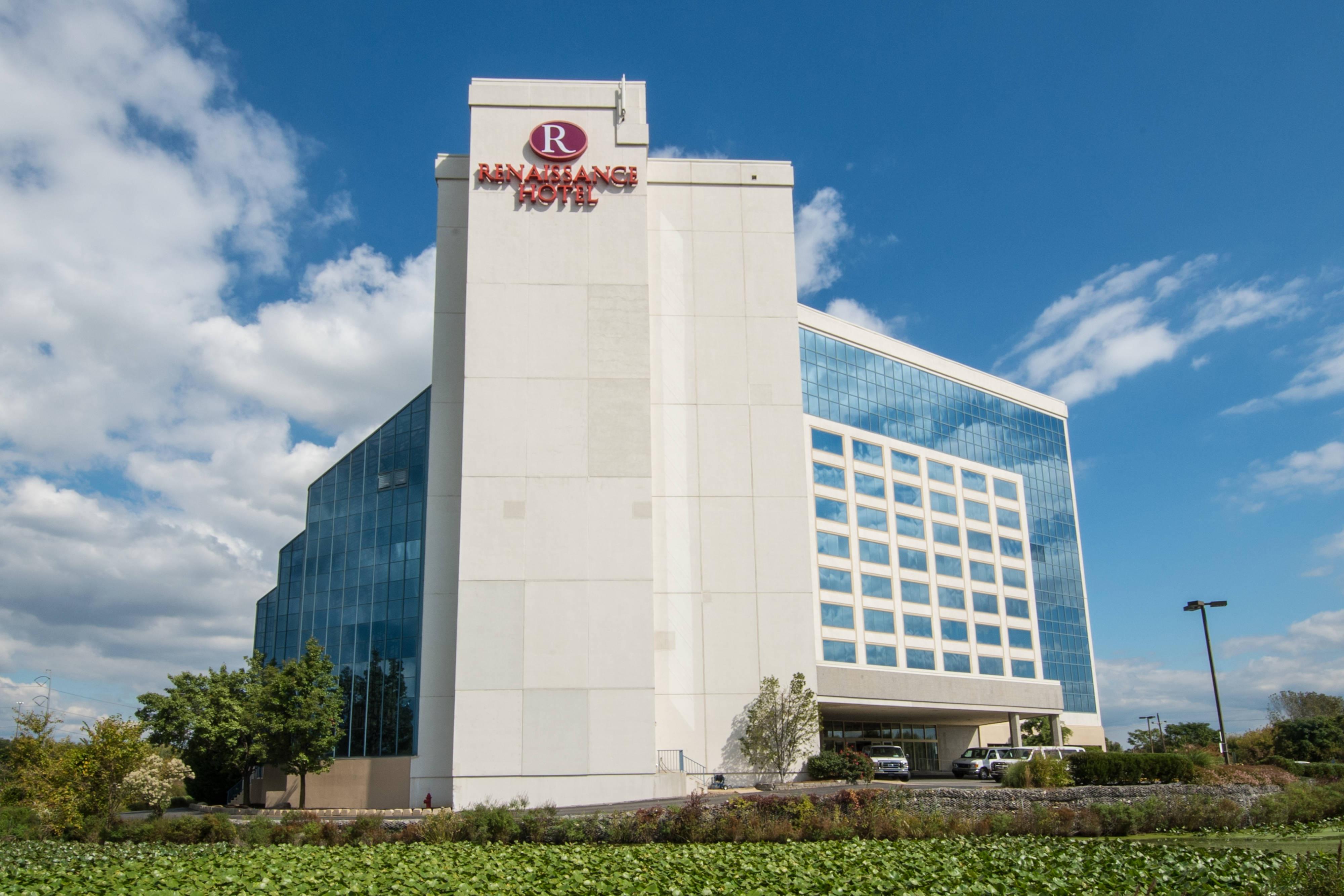 Philadelphia hotel exterior