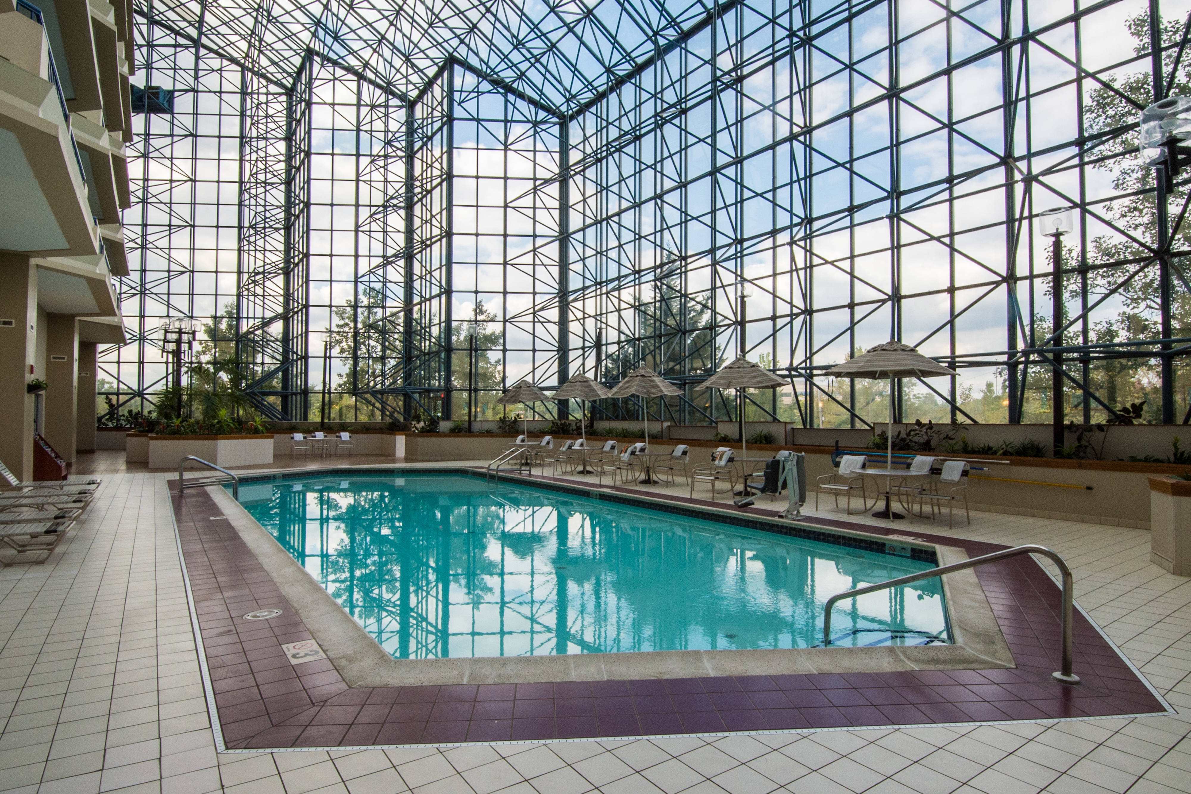 philadelphia hotels with indoor pool