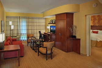 Coatesville Hotel King Suite