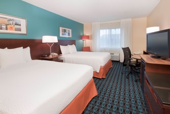Newly renovated Philadelphia airport guestroom