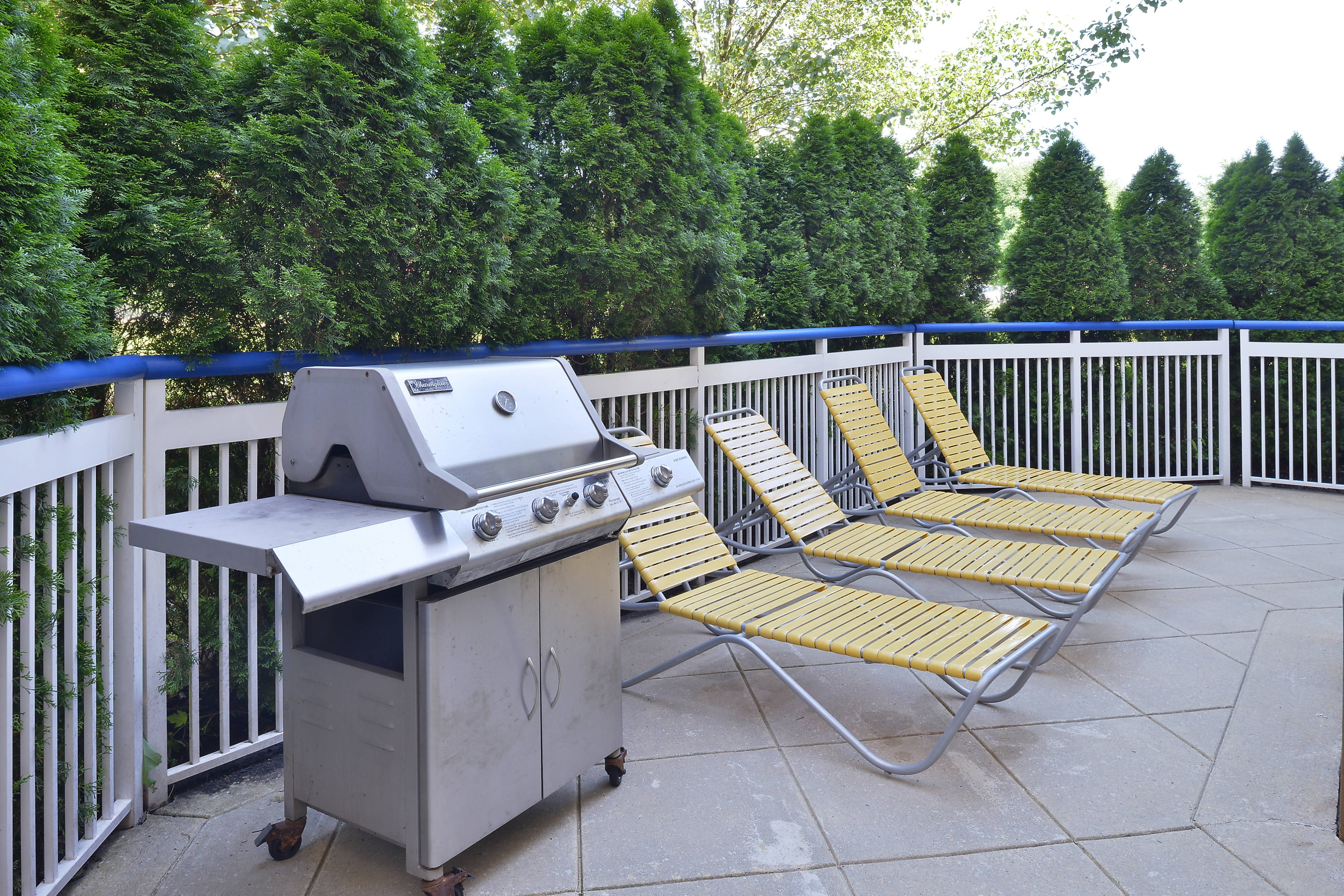 Mt. Laurel Hotel Outdoor Amenities