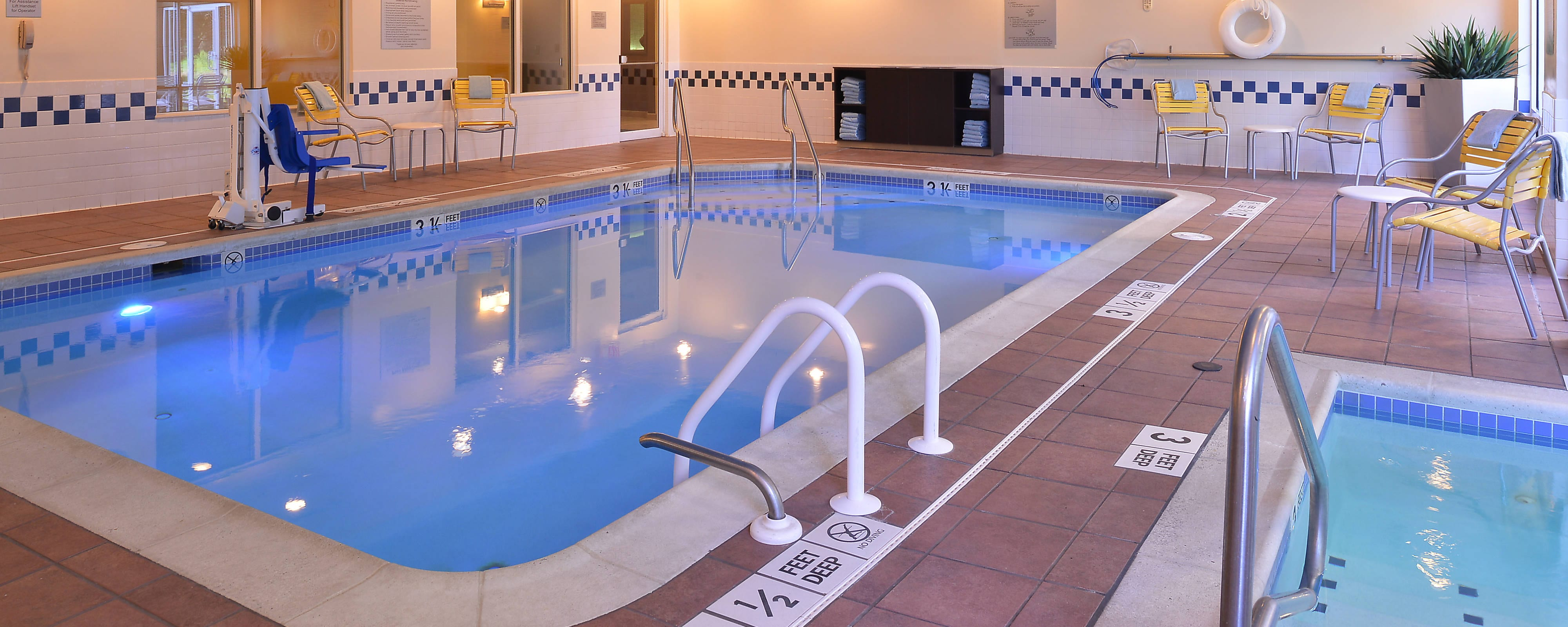 Mt. Laurel Hotel Indoor Pool