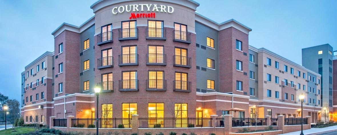 Außenansicht Courtyard Glassboro Rowan University