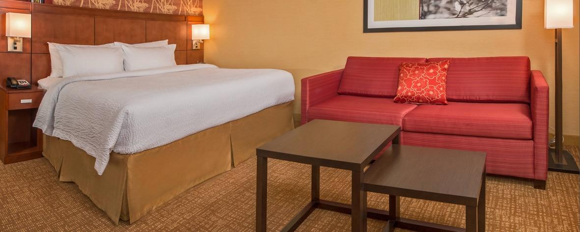 Chambre avec très grand lit