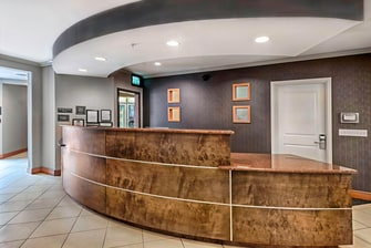 Mount Laurel Hotel Front Desk