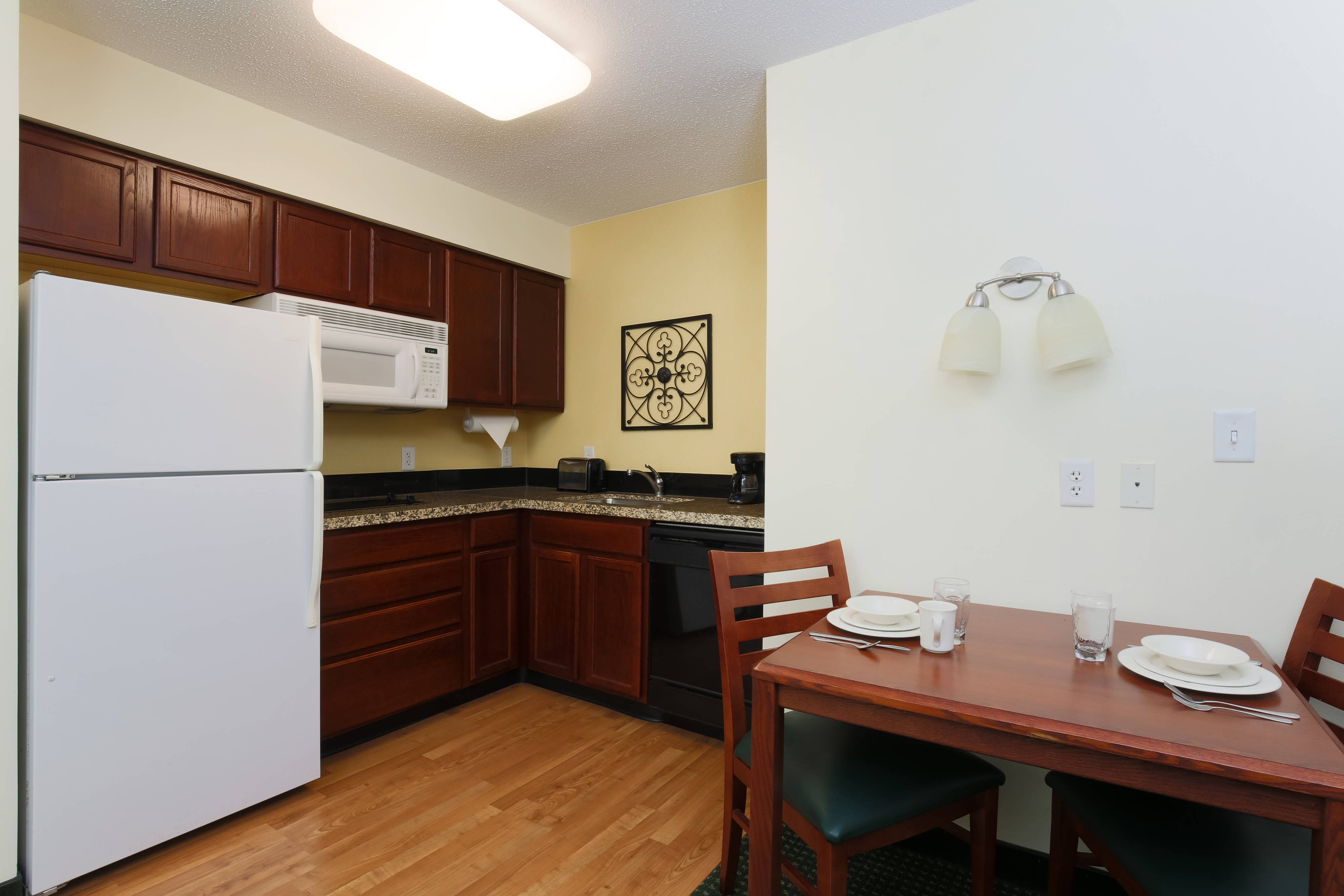 Exton Pennsylvania One-Bedroom Kitchen