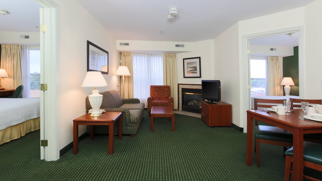 Exton Pennsylvania Two-Bedroom Suite