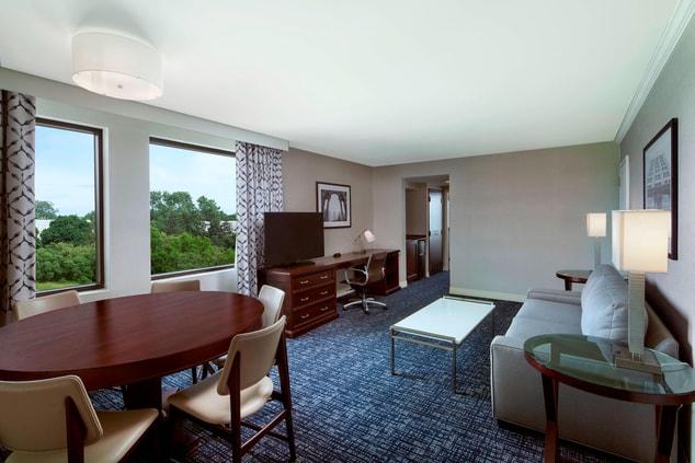 Conference Suite - Parlor