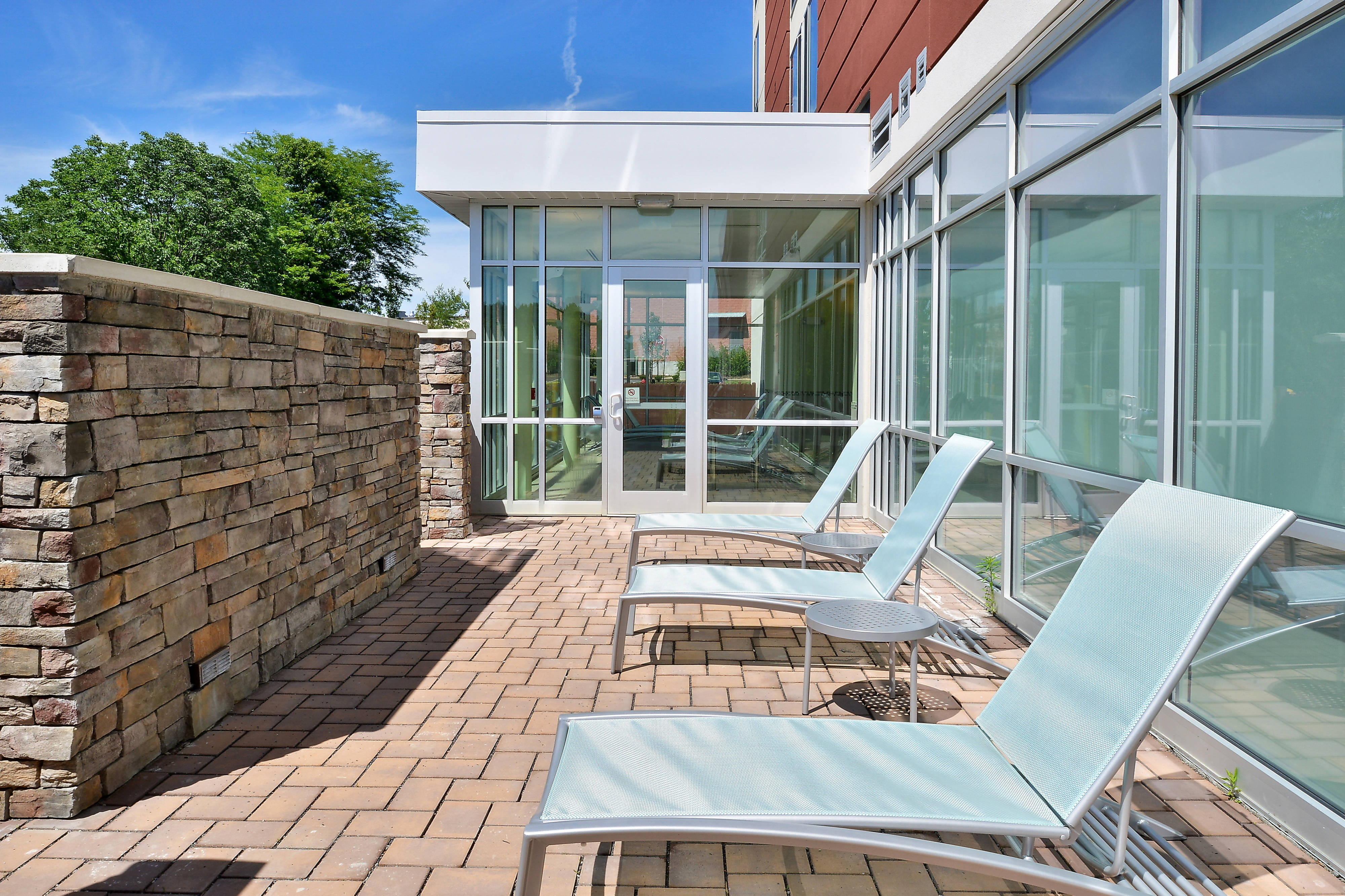 New Jersey Hotels Pool Patio