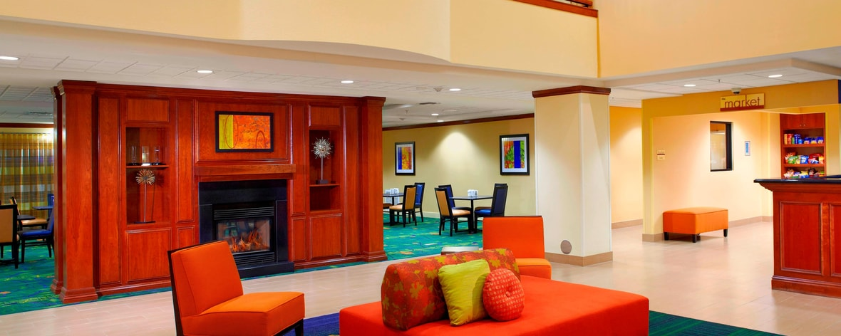 Book one of the best hotels in Phoenix, Drury Inn & Suites Phoenix Airport. Enjoy great Drury Hotels perks like free Wi-Fi, free hot breakfast and our free Kickback®, and discover why business and leisure travelers alike choose our Phoenix, AZ hotel.