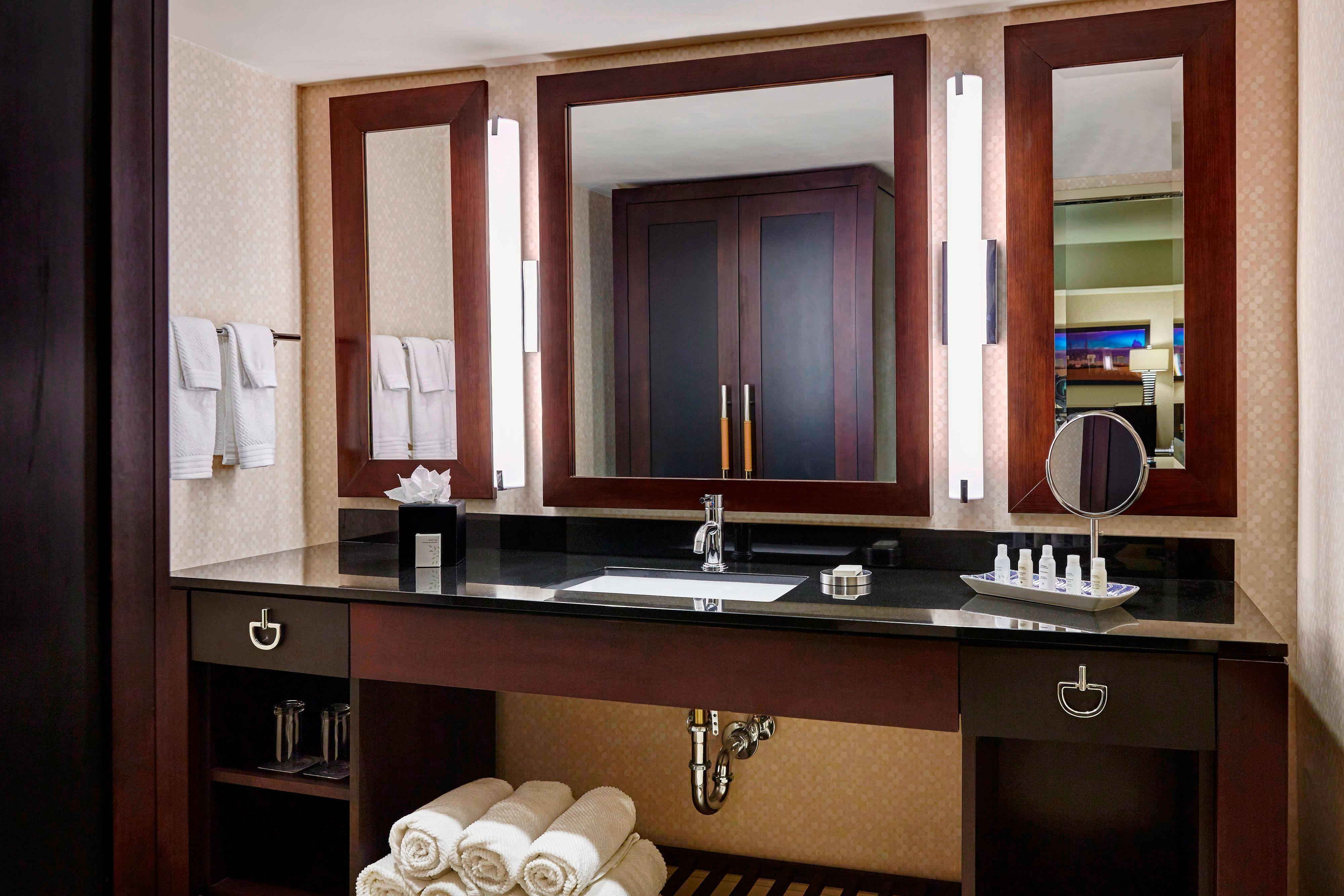 Executive Suite Bathroom Renaissance Phoenix
