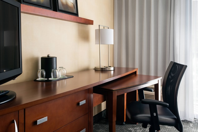 Suite Room Work Desk