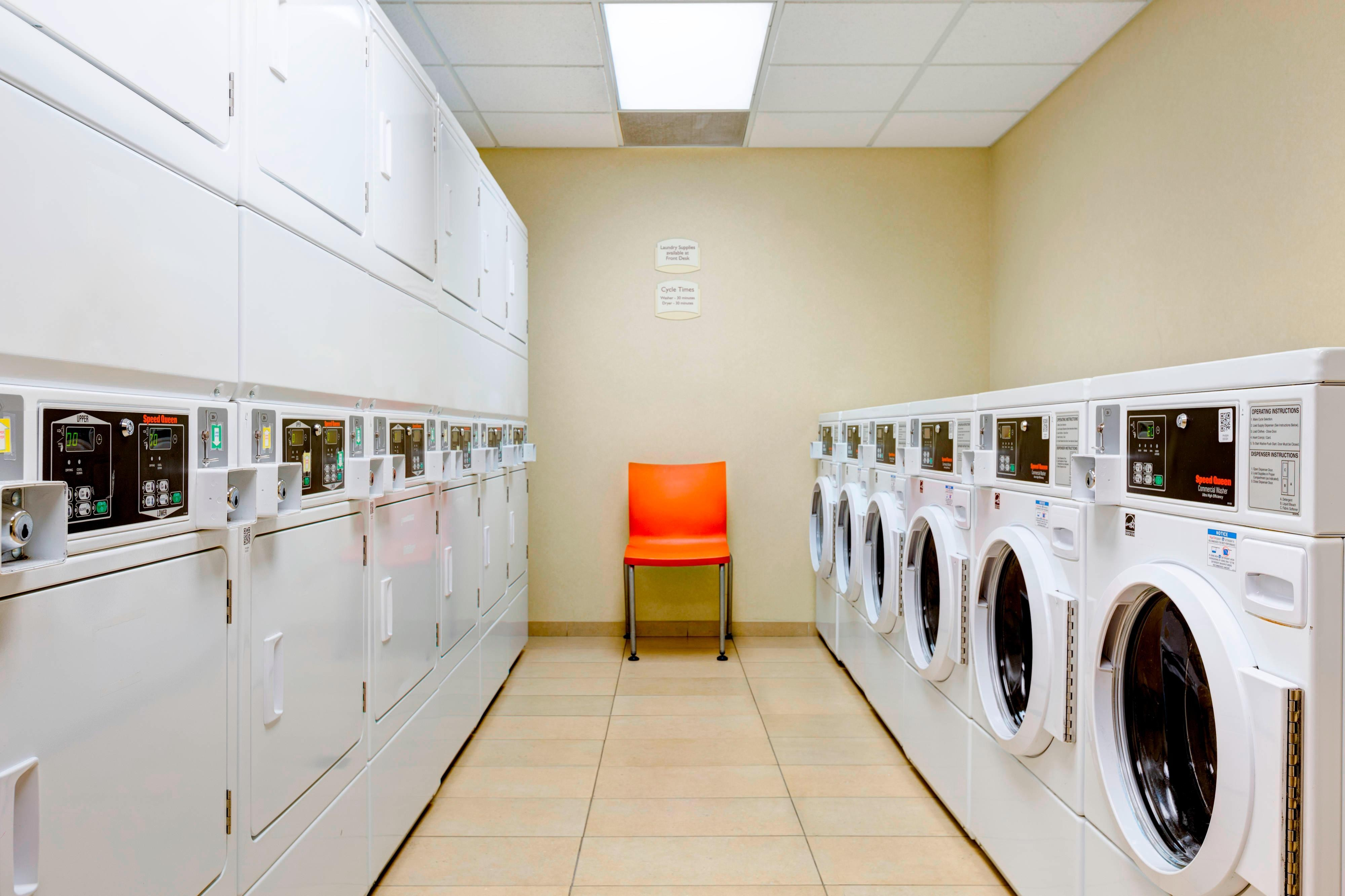 Phoenix Suite Hotel With Laundry