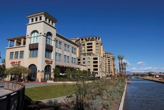 Hotel near Scottsdale Waterfront Shopping