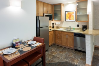 Suite Kitchen Are