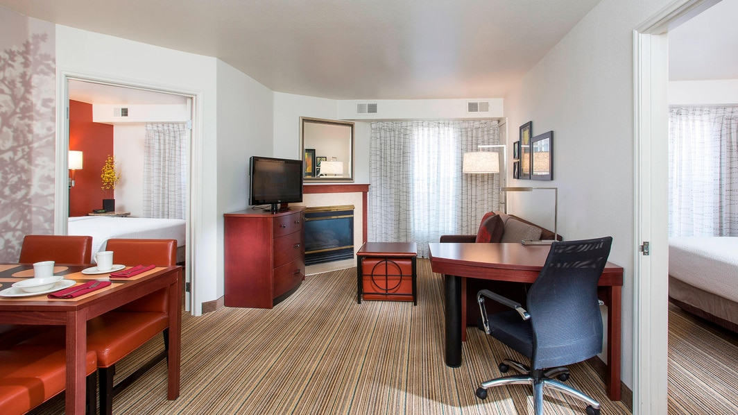 Peoria Hotel Two-Bedroom Suite