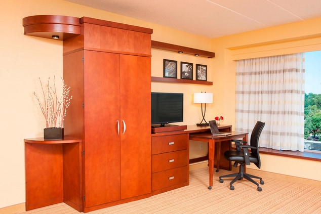 King Suite Work Desk