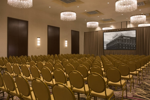 Large Group Meeting Area in Peoria, Peoria Marriott Pere Marquette