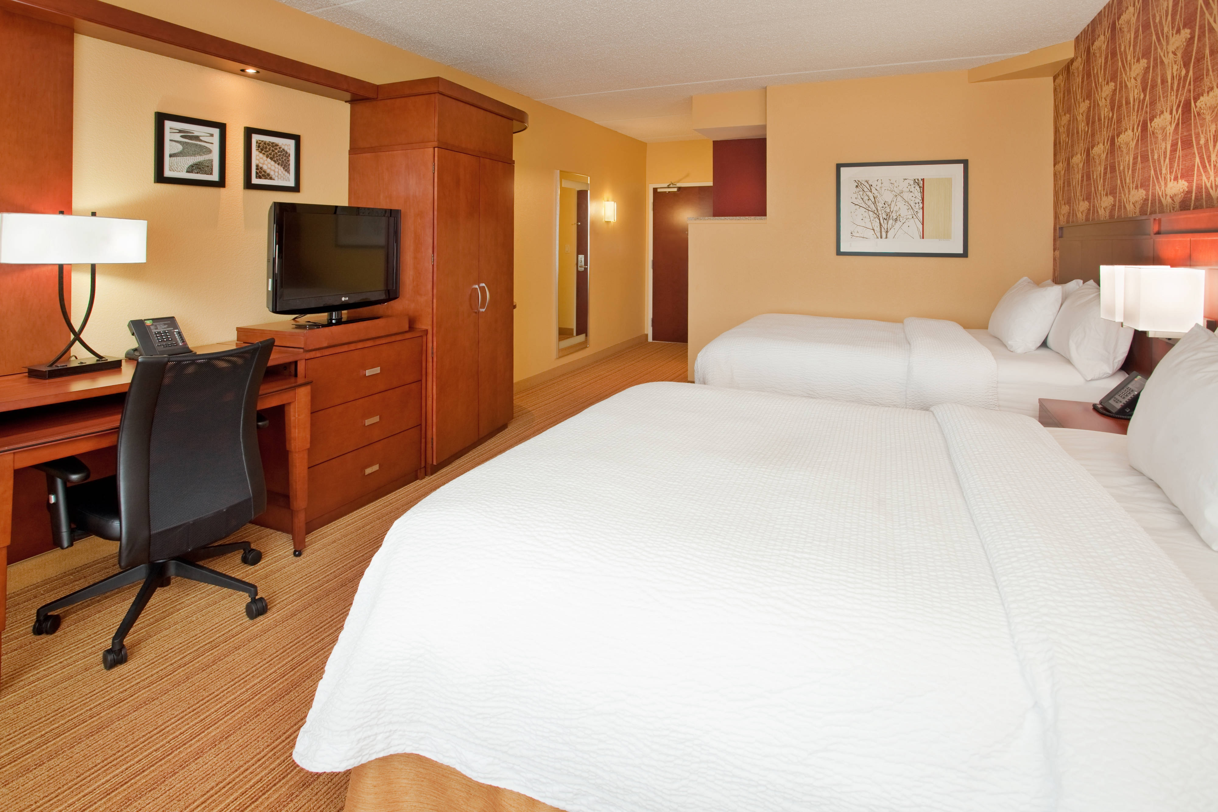 Cranberry Township Guest Room