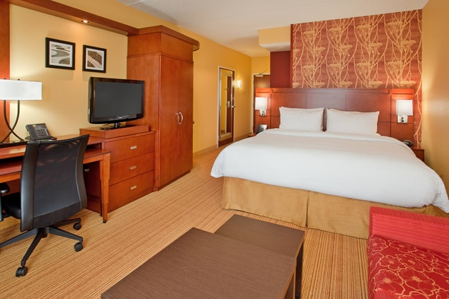 Hotel Rooms in Cranberry Wooods