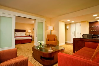 Pittsburgh Airport Marriott Executive King Suite