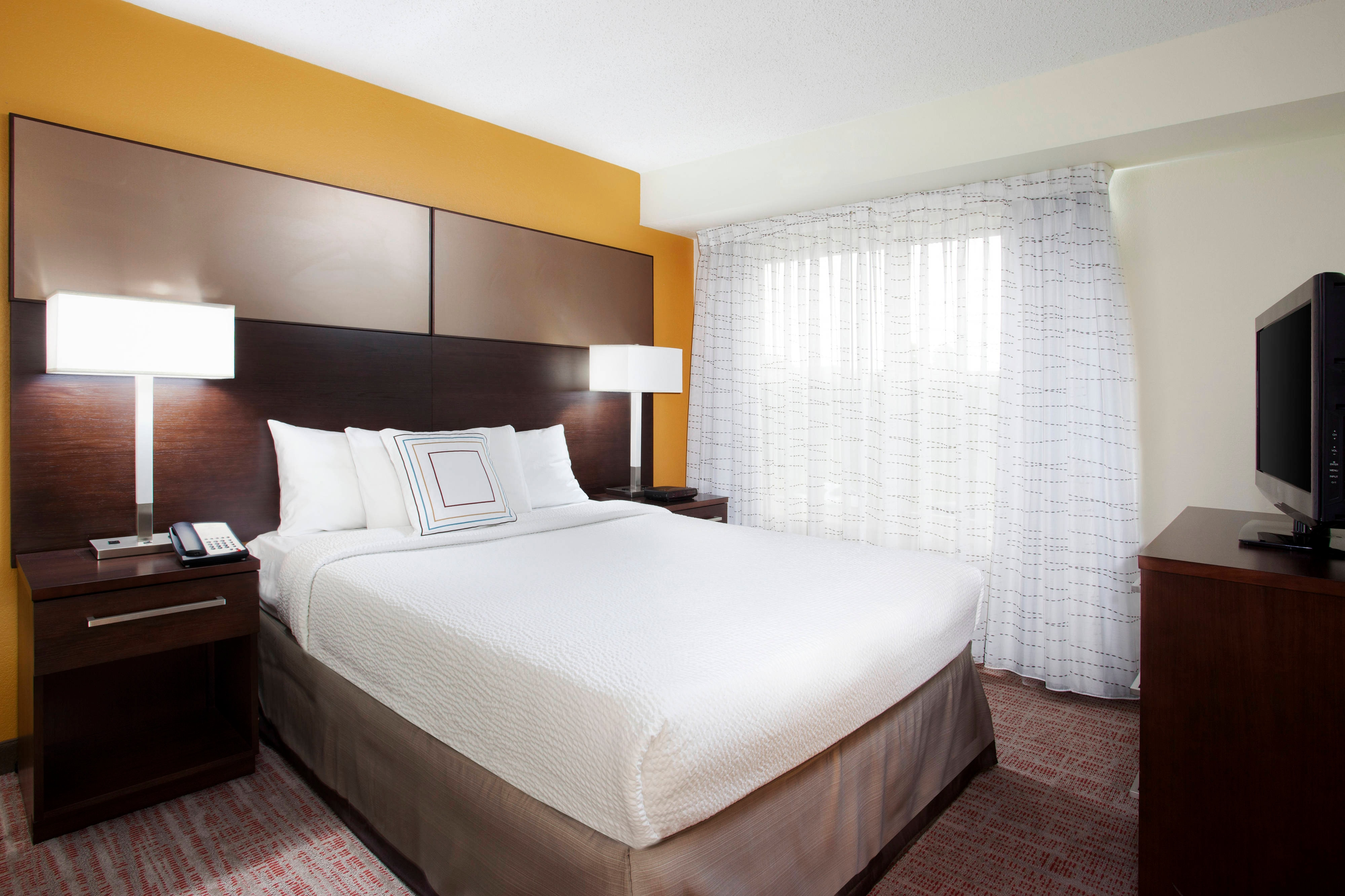 Pittsburgh Airport One-Bedroom Suite