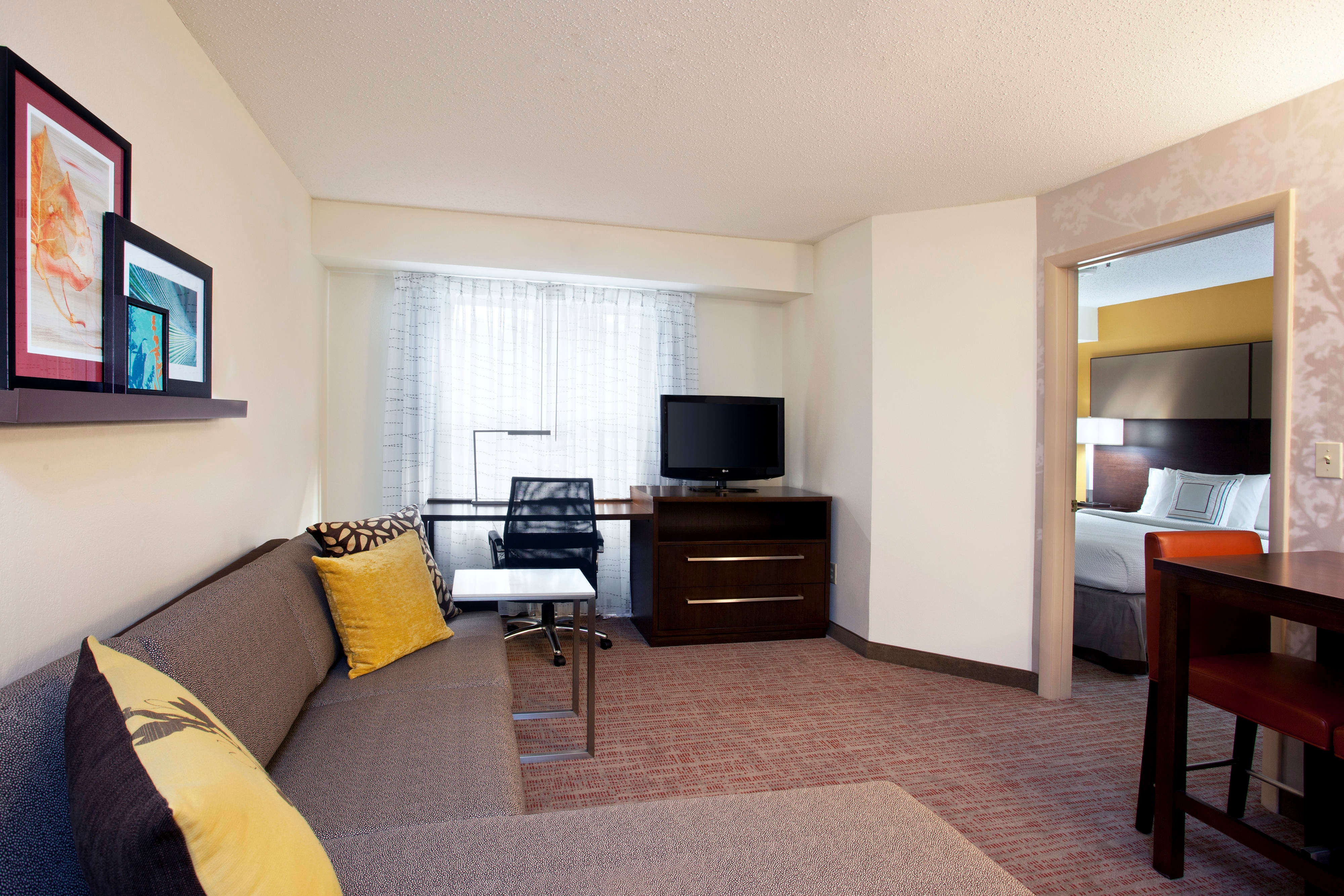 Pittsburgh Airport One Bedroom Suite