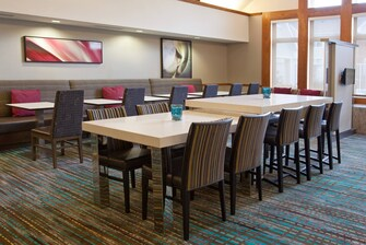 Pittsburgh Airport Hotel Communal Table