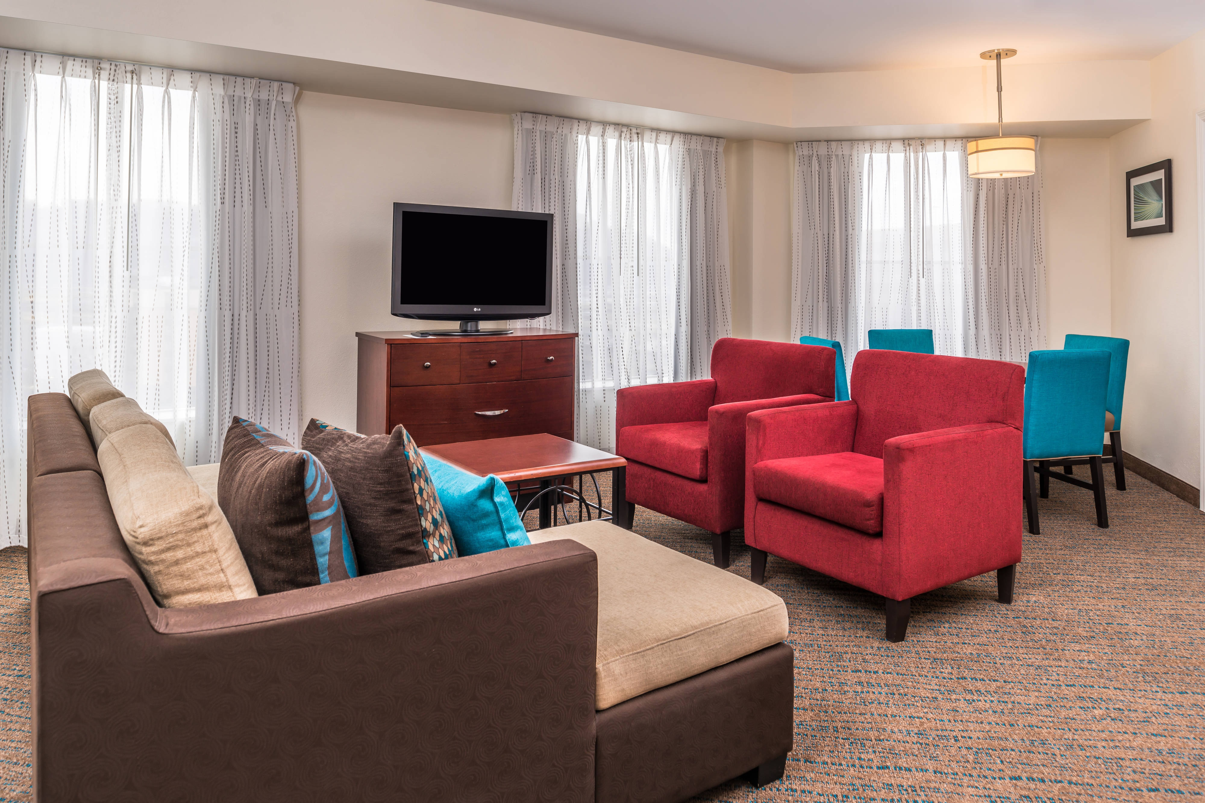 Residence inn pittsburgh north shore hotel amenities hotel room highlights for 2 bedroom suites in pittsburgh pa