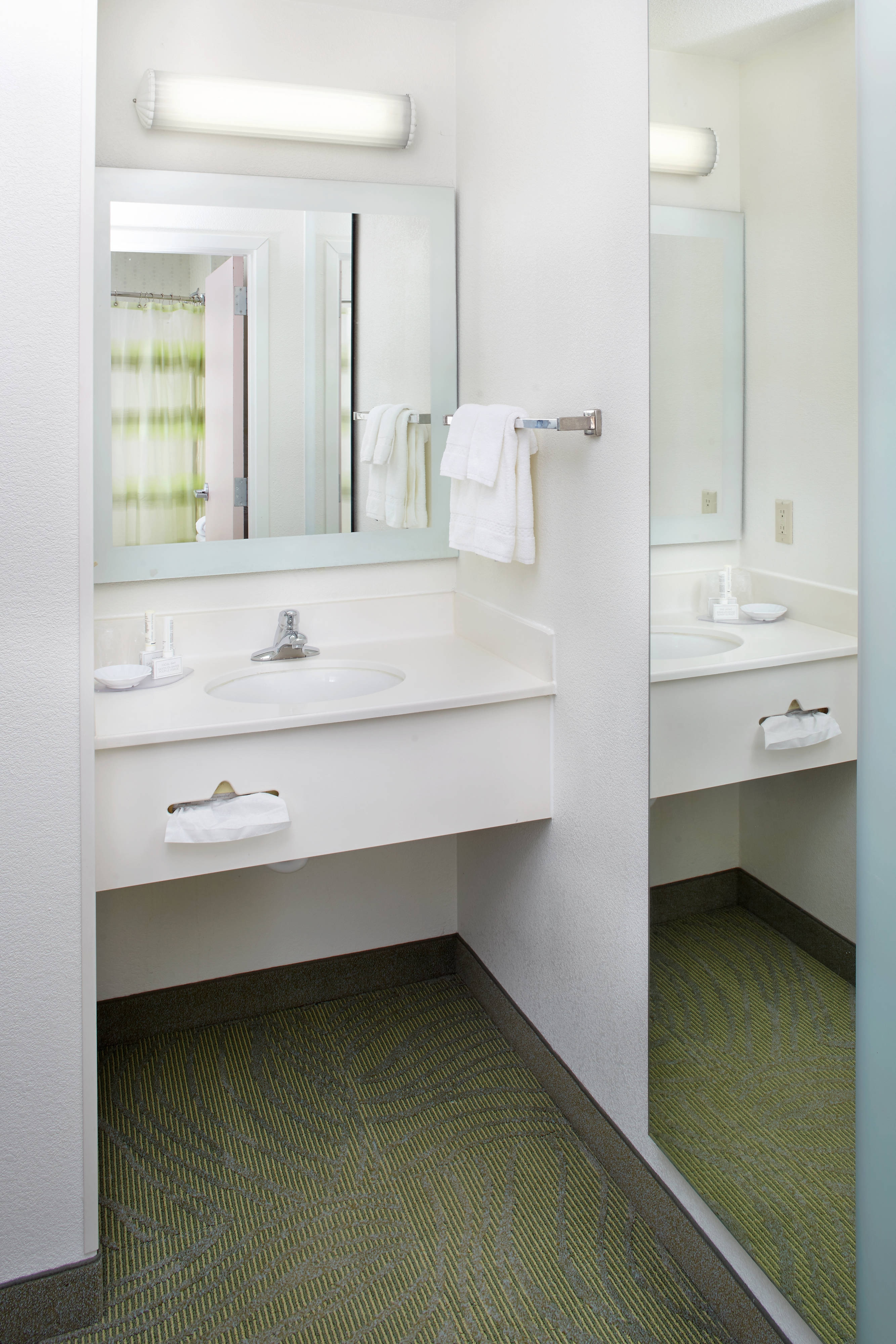 springhill suites guest bathroom